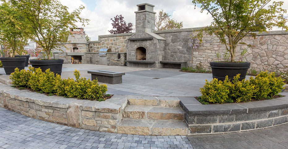 Natural Stone Veneer granite and black tusk basalt stairs