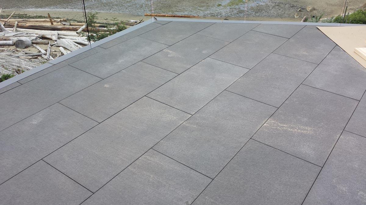 Basalt cobblestone pavers patio and paving stones for Basalt pavers